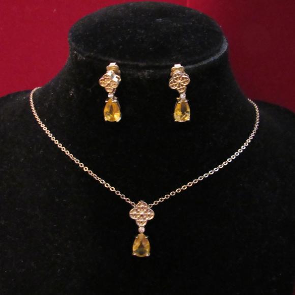 Avon Jewelry - Deep Yellow Crystal Teardrop Necklace Earrings Set